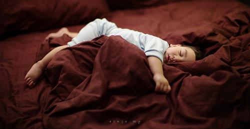 Παιδί που κοιμάται από τον sinjoop, flickr