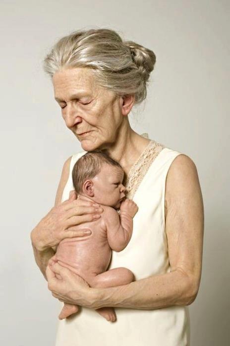 Γιαγιά κι εγγόνι. Ο κύκλος της ζωής. Η αγάπη δεν τελειώνει ποτέ...